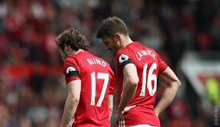 Manchester United Players Wear Black Ambands To Mourn Fans Who Died In Calabar Last Week 3