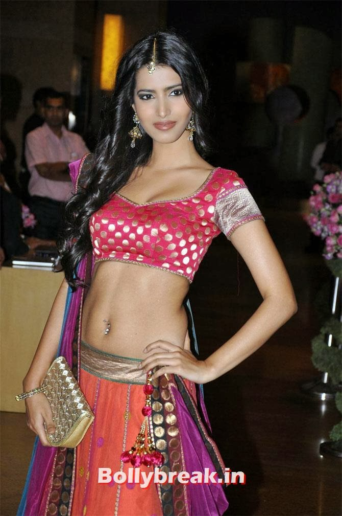 Manasvi Mamgai : She may not have been able to win the Miss World crown in 2010 but Manasvi Mamgai is now one of the most recognisable faces at the fashion weeks and in print campaigns.  The 26-year-old has now set her eyes on the big screen and is set to make her debut alongside Ajay Devgn in Action Jackson directed by Prabhudeva., Hottest Indian Super Models of 2013