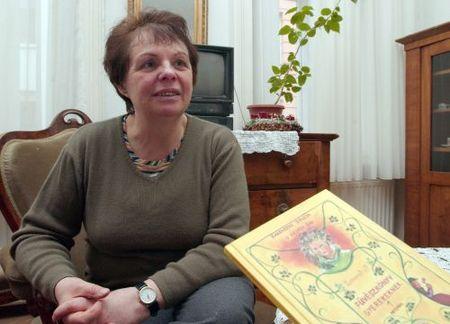 Zsuzsa Rakovszky net worth