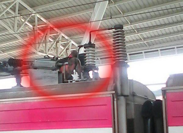 Murió electrocutado en el techo del tren de Charallave