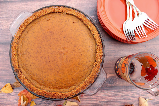 Pumpkin Praline Pie with Graham Cracker and Cornflake Crust / www.kudoskitchenbyrenee.com