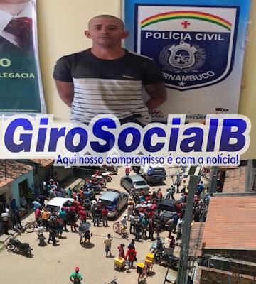 Após investigações, policia cerca e fecho e prende na feira  livre de Buíque, acusado de participação em vários crimes na região.