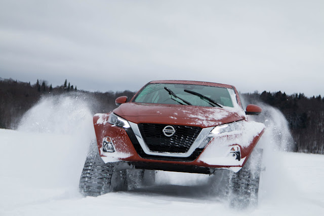Nissan Altima AWD com sistema de lagartas ALTIMATE_AWD_ROLLING_FRONT_MEDIUM_02