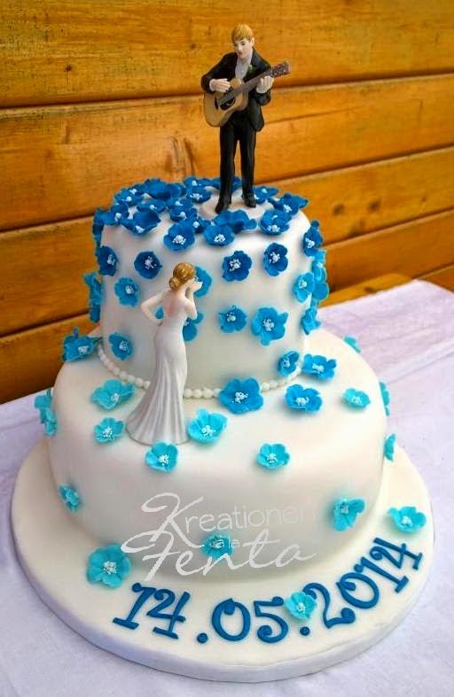 Kreationen A La Fenta Hochzeitstorte In Blau Weiss