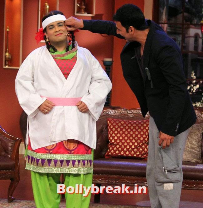 Kiku Sharda and Akshay Kumar, Akshay Kumar on Comedy nights with Kapil for Holiday movie promotion