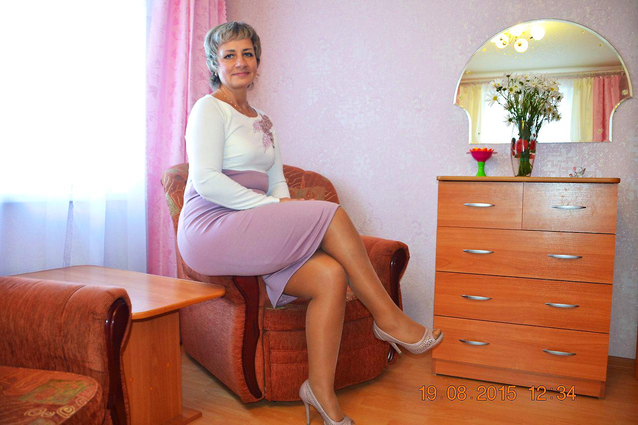 Boobs milf lesbian micro skirt
