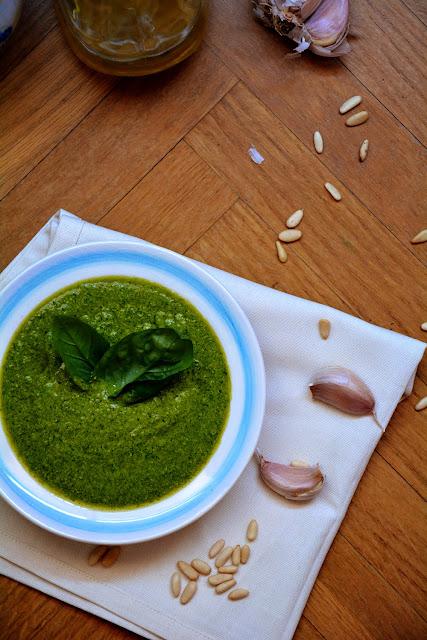 Como hacer salsa pesto casera las maria cocinillas for Casera m bel
