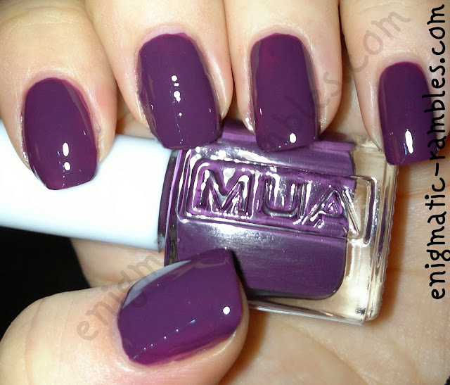 MUA-makeup-academy-deepest-purple-swatch