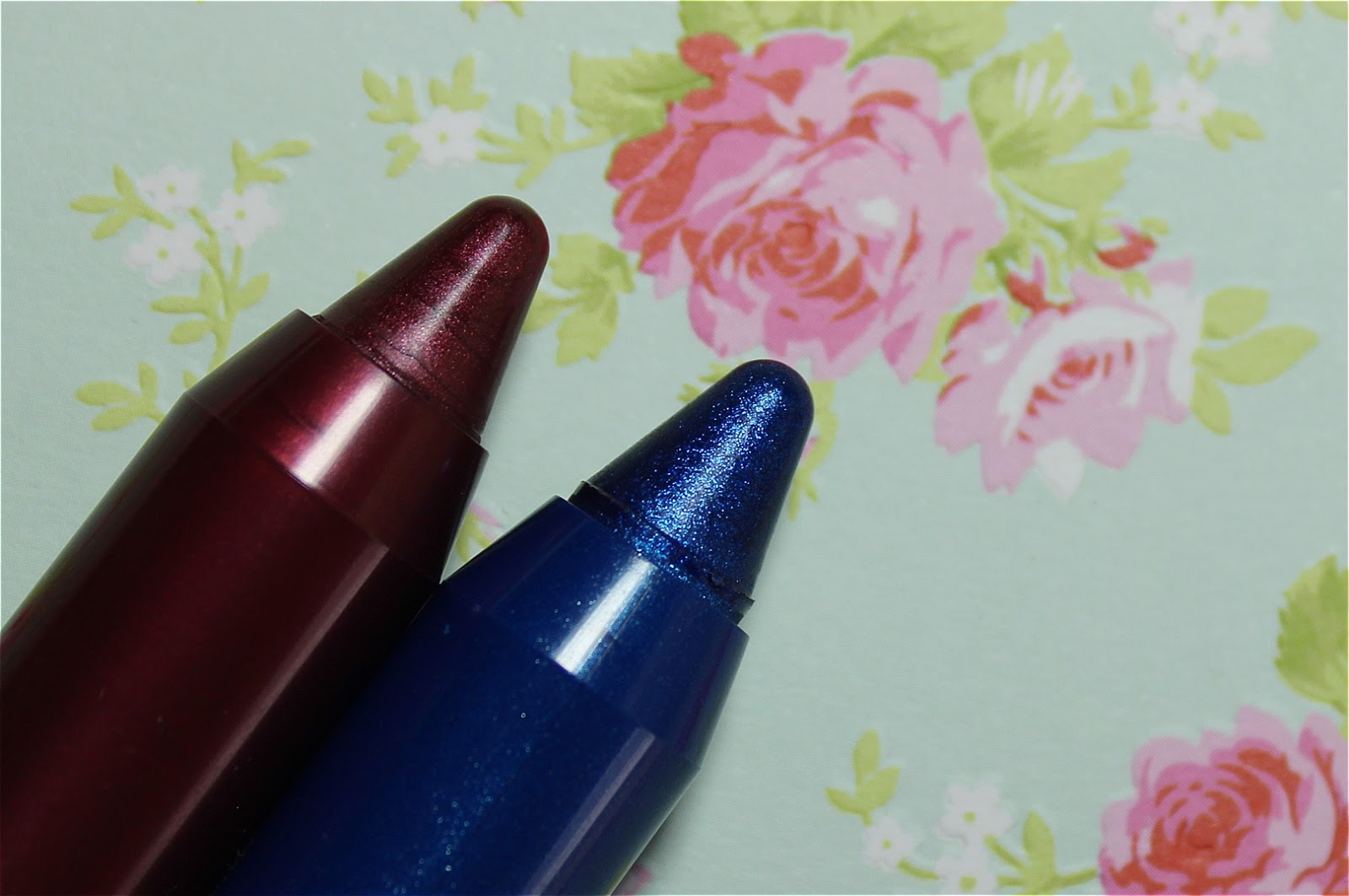 Kiko Sparkling Trail Eyeshadow Pencil 03 05
