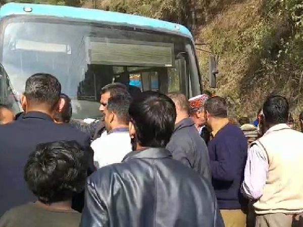 मजदूर ने HRTC चालक को जड़े थप्पड़