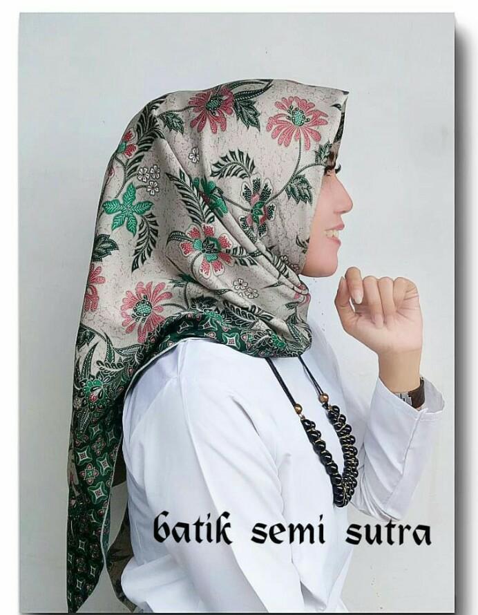 Jilbab Segi Empat Motif Batik Terbaru