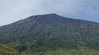 gunung rinjani tertinggi indonesia
