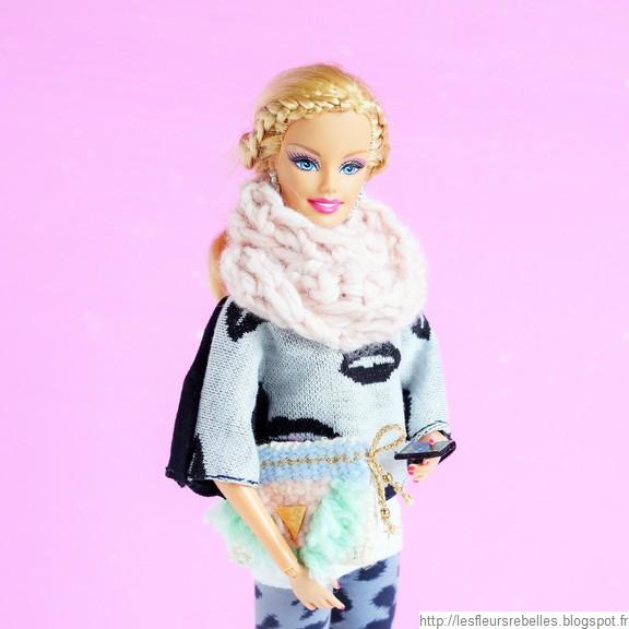 Barbie Geekette smartphone