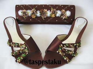 Tas Pesta dan Sandal Pesta Coklat Mewah Bunga