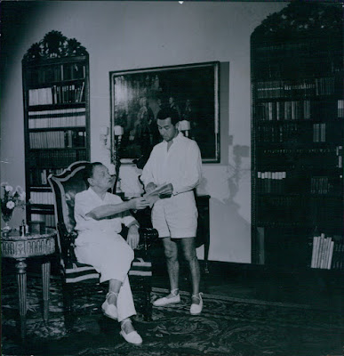 Somerset Maugham & Alan Searle in Villa Mauresque in 1956