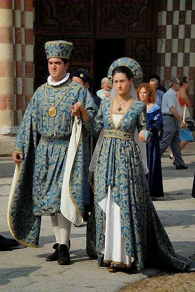 Cortejo histórico na cidade de Asti, Itália
