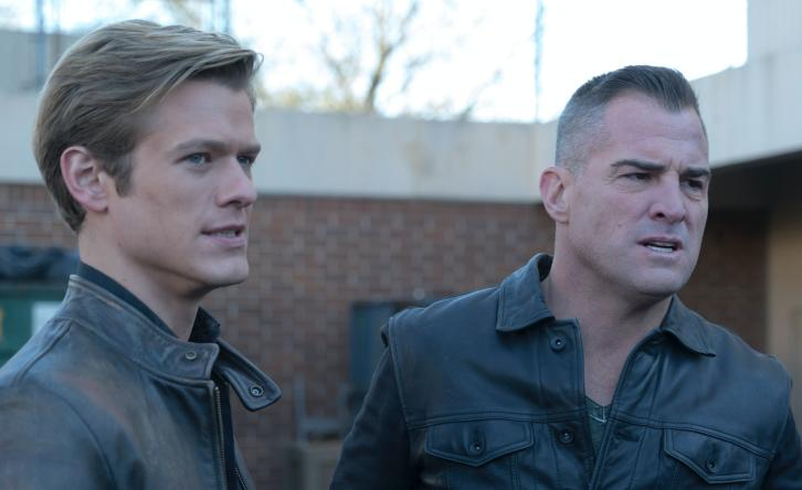 MacGyver - Episode 2.18 - Riley + Airplane - Promotional Photos + Press Release