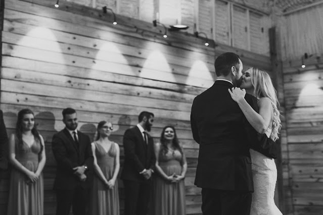 bride and groom first dance-black and white