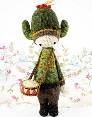 lalylala carl the cactus