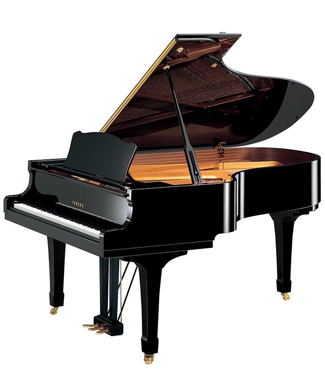 dan piano yamaha c5