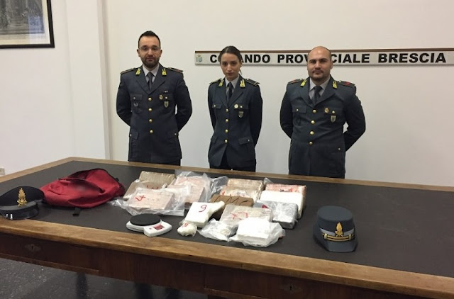 14-year old Albanian caught with € 4.5 million worth of cocaine in his school bag