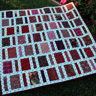 Charm-Square-Quilt-Tiny-Bits-in-Red