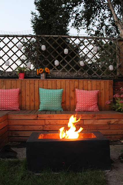 DIY garden with pallet seating