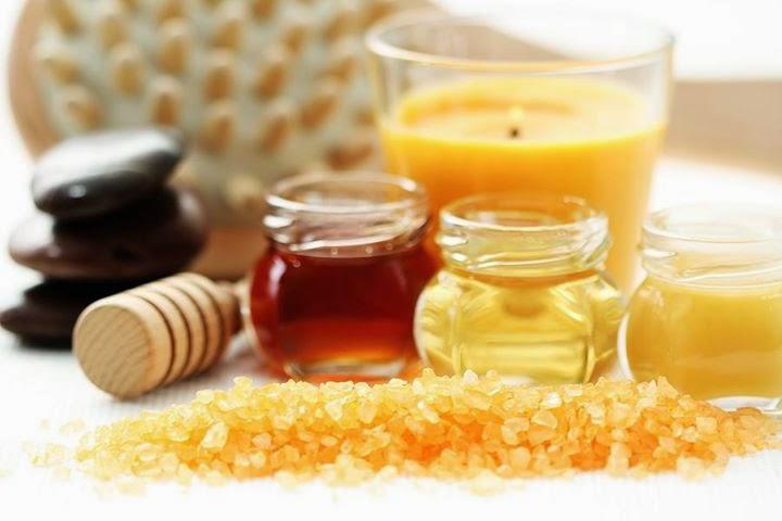 Mặt nạ mật ong và mầm lúa mì giúp trị tàn nhang trên mặt