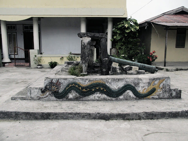 batu tungku Maluku