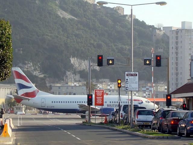 Uniknya Bandara Gibraltar