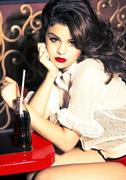 Selena Gomez - Save The Day