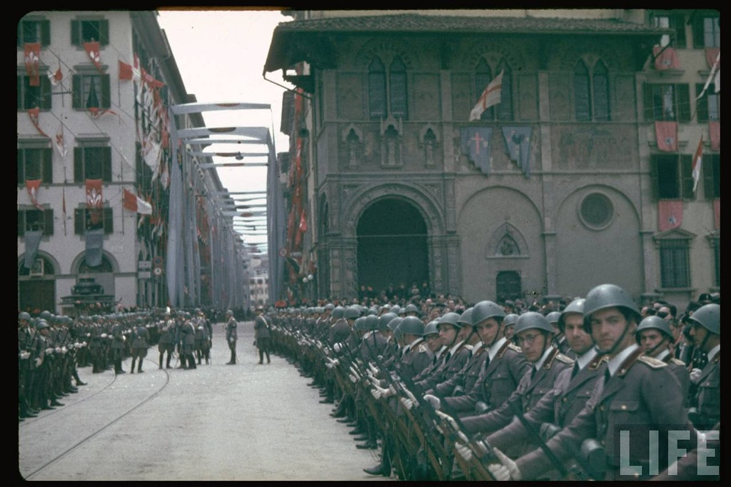 Hitlers Visit to Italy in 1938  vintage everyday