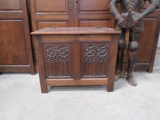 Wholesale French Antiques Gothic Bench Chest
