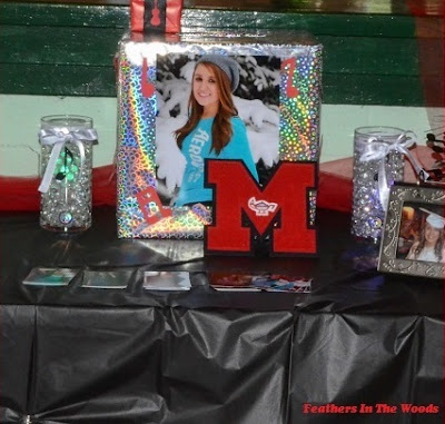 graduation table display