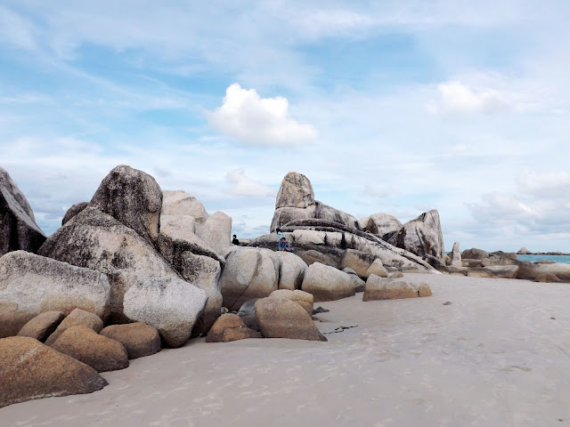 Keindahan Pantai Di pulau bangka