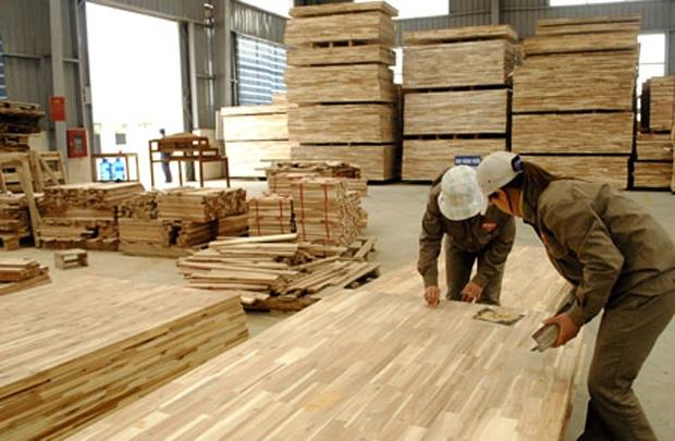xưởng chế biến gỗ