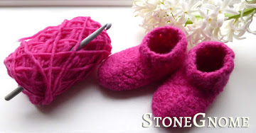 Felting - pink shoes