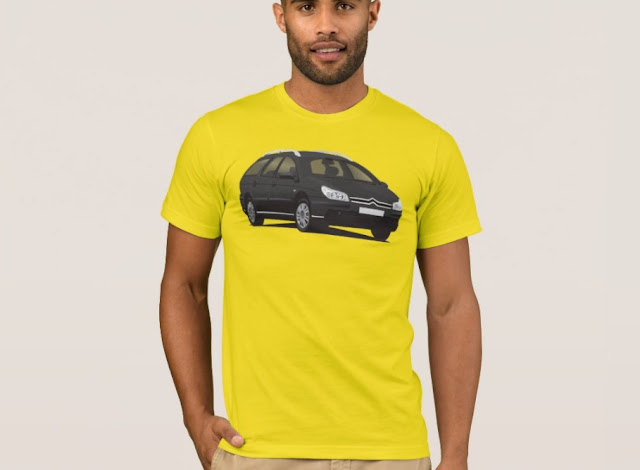 Citroën C5 Break in black t-shirt