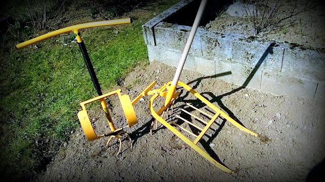 Ročno vrtno orodje Tornado je ročno kovano in ima zelo dolgo življensko dobo.