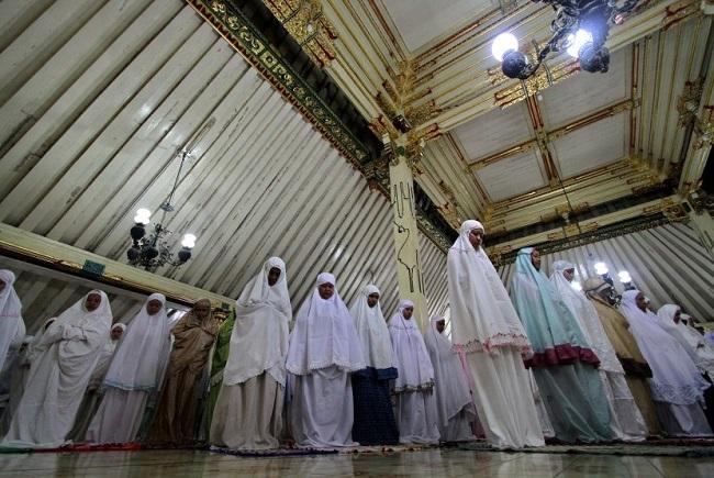 Sholat Jumat dan jadwal Dhuhur bagi muslimah yang harus diketahui.