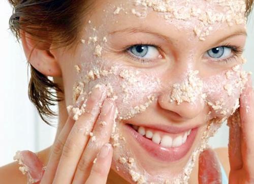 Esfoliar o rosto porque é necessário?