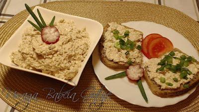 Pasta na kanapki z makreli i twarogu
