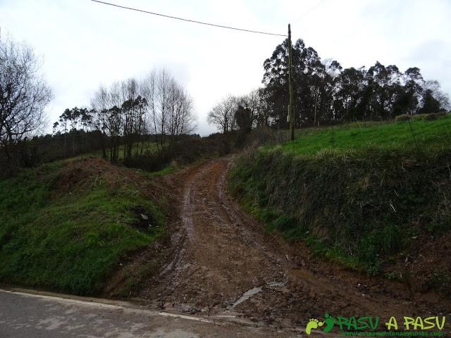 Alto la Corona o Pico La Ablanosa: Pista saliendo de Ricabo
