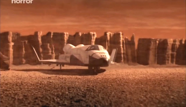 Spaceship very similar to the Space Shuttle - Escape from Mars movie image