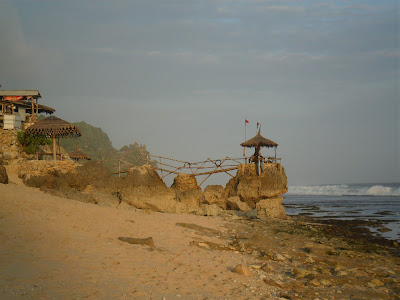 pengalaman wisata pantai watulawang