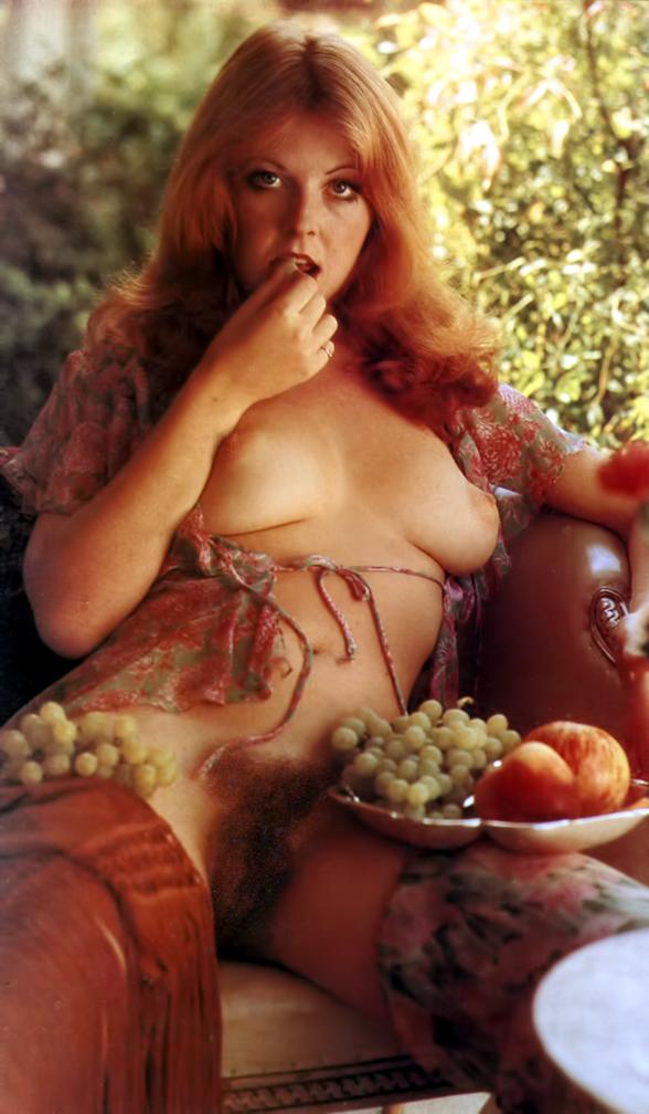 Elvira Nudes 120