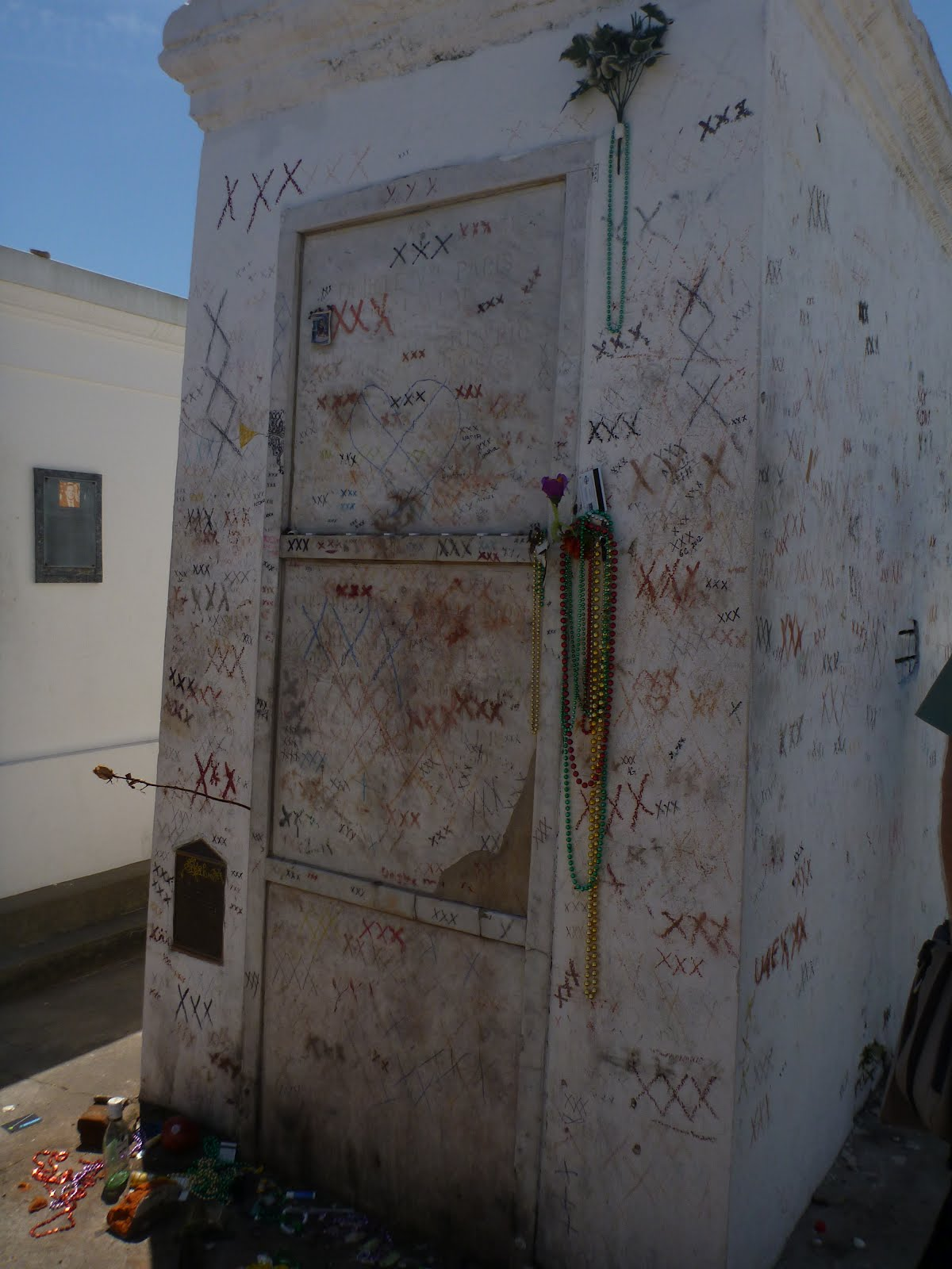 TravelMarx: The Tomb of Marie Laveau
