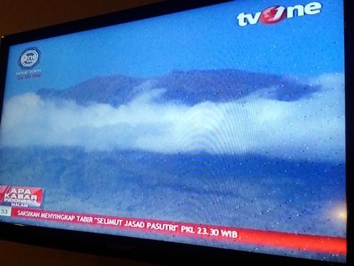 Erupsi Gunung Agung Bisa Terjadi Setiap Saat★ ローカルTVではアグン山噴火警戒のニュースがひっきりなしに流れています