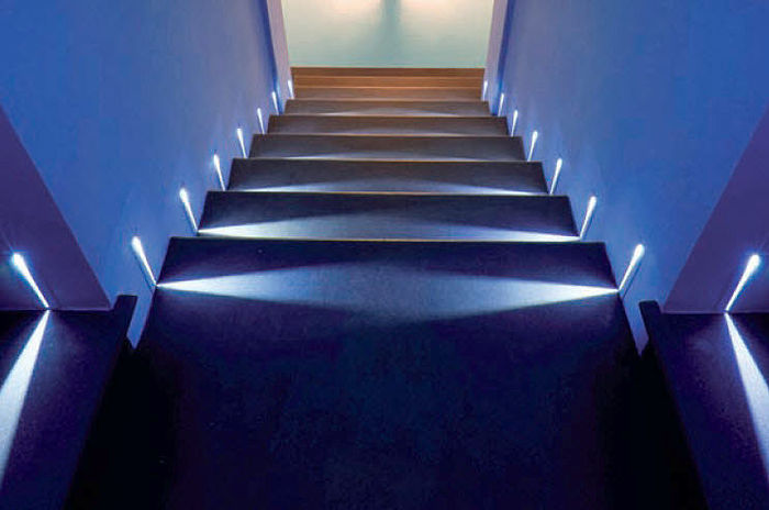 Home sweet home ristrutturare casa e dintorni scale for Led per interni casa