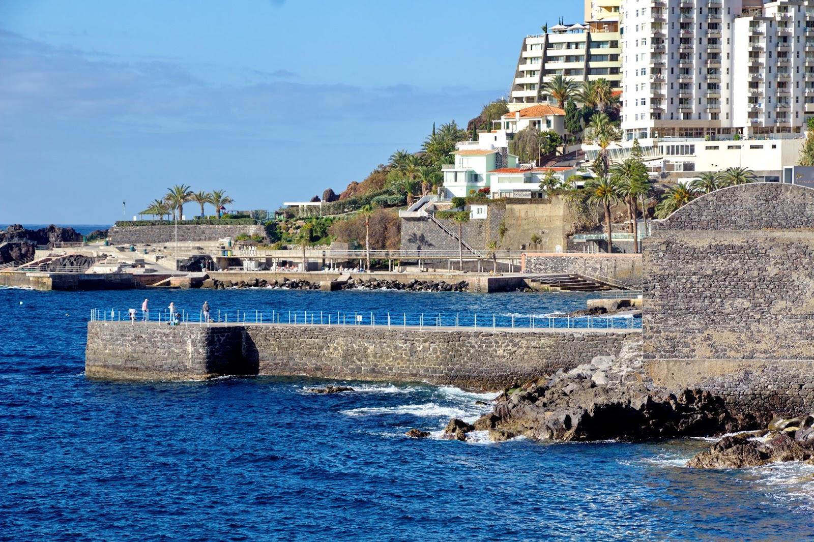 o Cais do Carvão e o Clube Naval do Funchal
